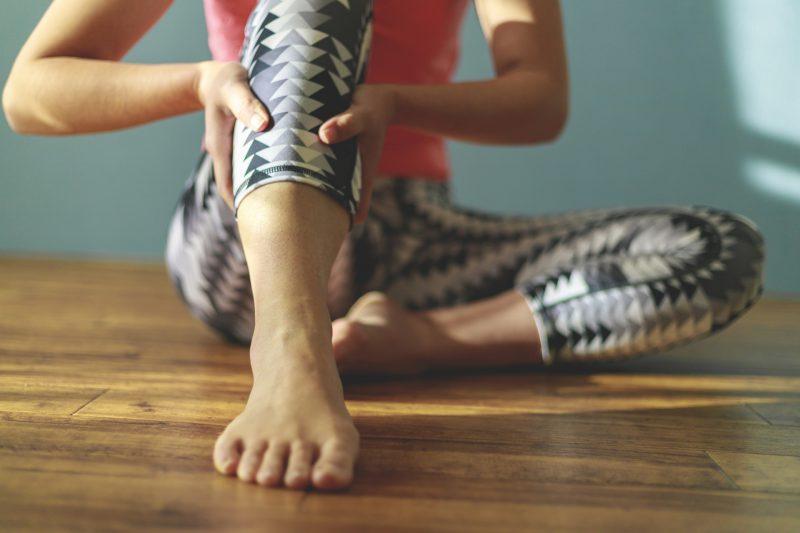 シンスプリントがなぜ安静にするだけでは治らないのか?痛みの原因と正しい対処法